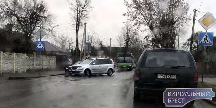 ДТП на Пушкинской в Бресте попало на камеру регистратора