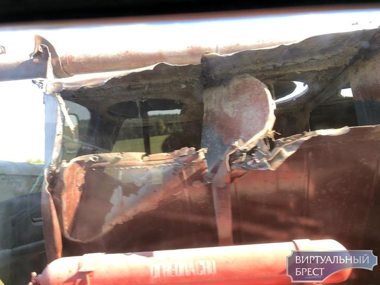 Серьёзное ДТП в Барановичском районе - автобус столкнулся с грузовым автомобилем