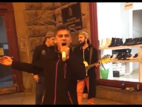Грузины ОЧЕНЬ круто спели песню Modi da modi mitxari rame udzraoba qalaqshi უძრაობა ქალაქში