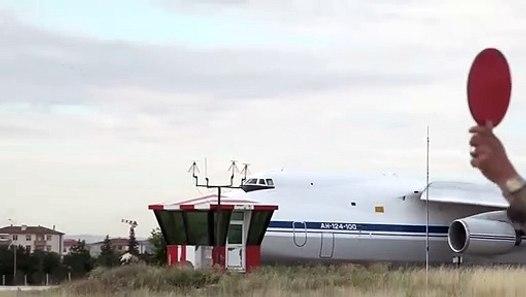 S-400 Uzun Menzilli Bölge Hava ve Füze Savunma Sisteminin İntikali'nden görüntüler. MSB TSK - Dailymotion Video