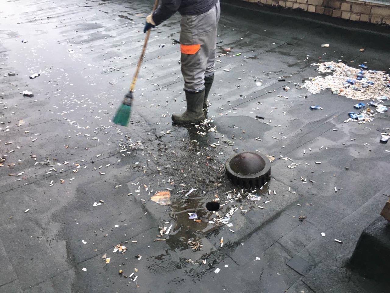 Улица Упита дом 13 прочистка внутреннего водостока