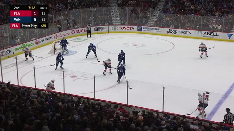 Гол Майка Хоффмана в ворота Ванкувера (2:7). Евгений Дадонов отметился голевым пасом.