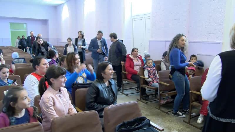 LIVЕ Ирина Влах встречается с многодетными семьями села Етулия