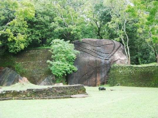 Сигирия - один из самых ценных исторических памятников Шри-Ланки