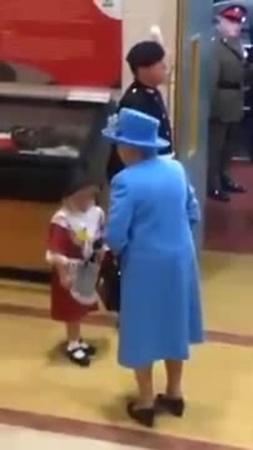 Queens guard slaps kid · coub, коуб
