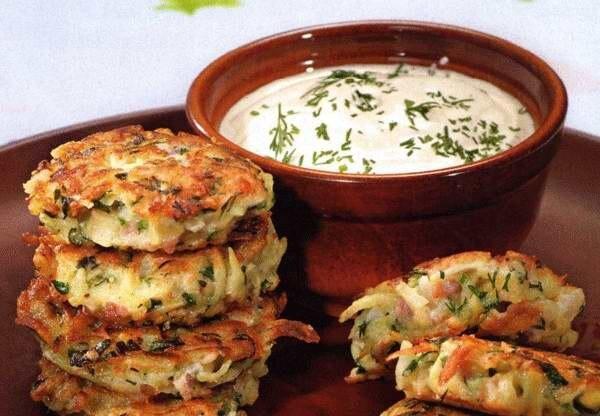 Картофельные оладьи с ветчиной и сыром