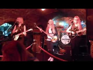 Monalisa twins you cant do that (the beatles cover) live at the cavern