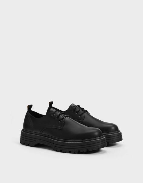 Мужские туфли-блюхеры на рифленой подошве