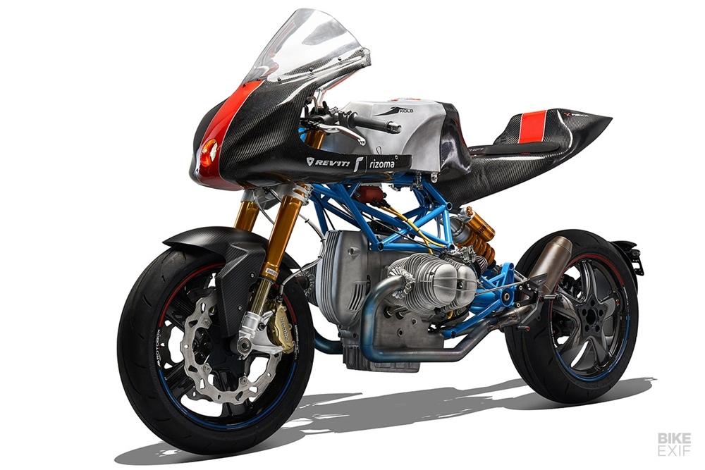 Battle of The Twins: очень легкий гоночный мотоцикл BMW