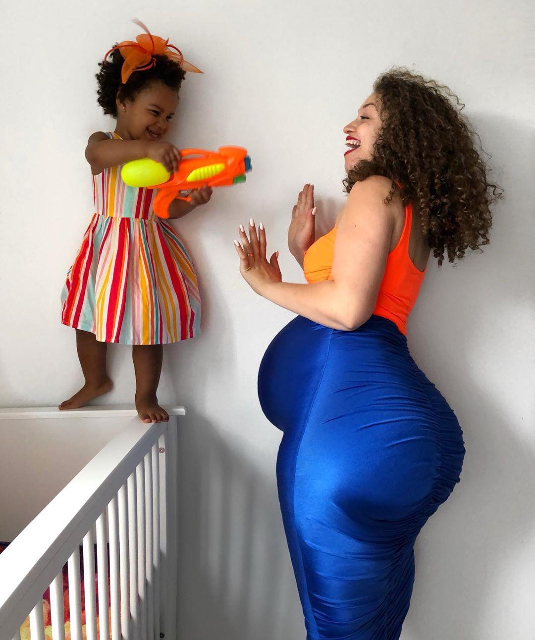 Сочная фигура мамочки двоих детей