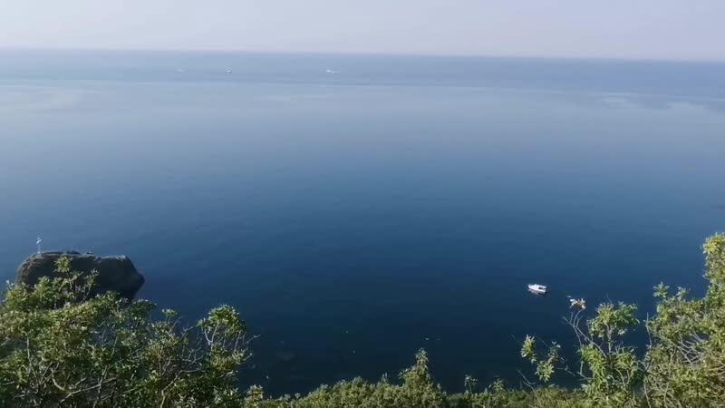 Путь по 800 ступеней до пляжа на мысе Фиолент ускоренно