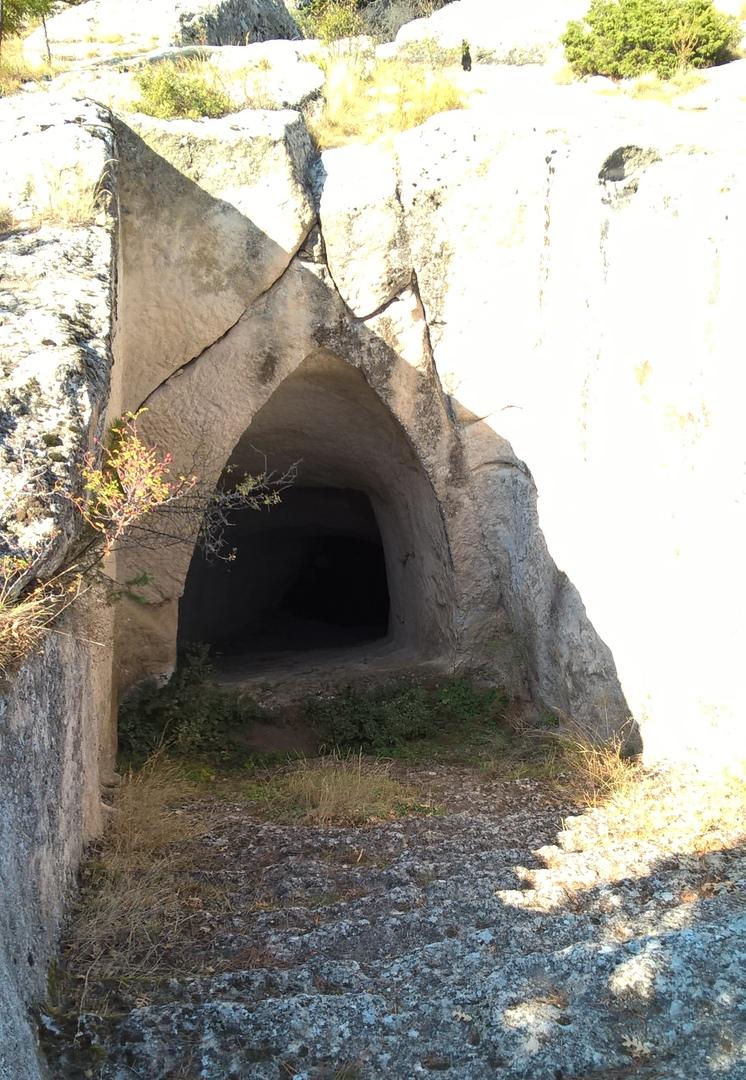 Лестница в пещерную цистерну