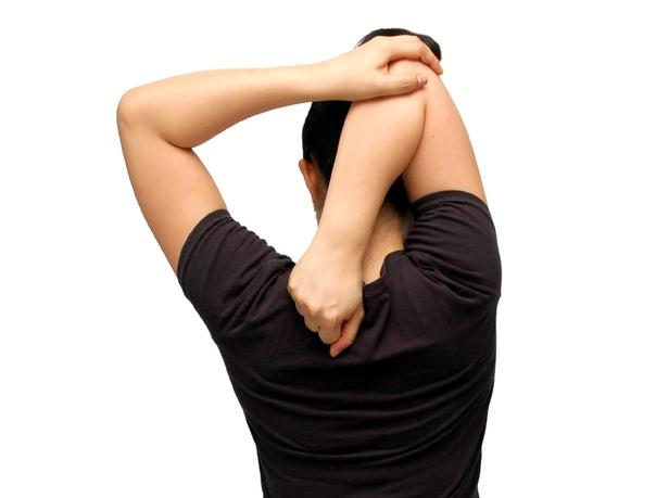 Простое упражнение для укрепления здоровья шеи и плеч. Большую часть времени мы проводим в сидячем положении, будь то работа, поездка на автомобиле или отдых дома. Что соответственно приводит к