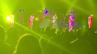 Babyface - Amazing Medley of Songs Written by Babyface LIVE