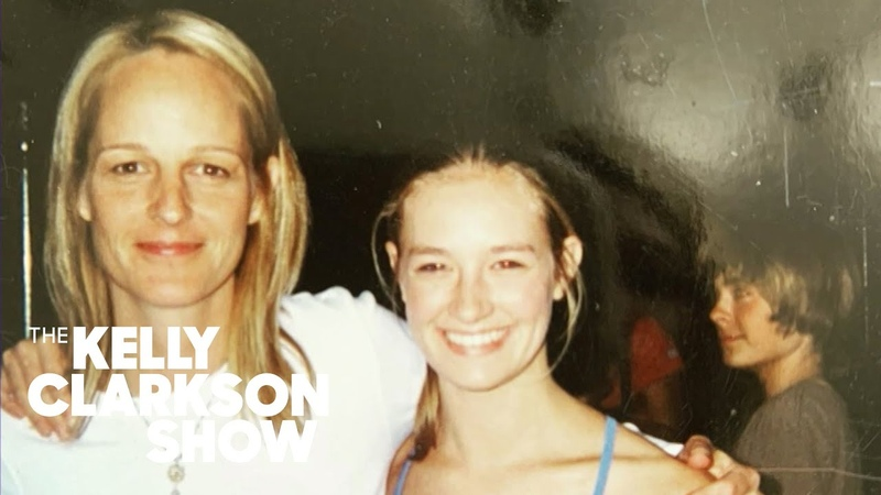 See 12 Year Old Zac Efron Photobomb Beth Behrs And Helen Hunt