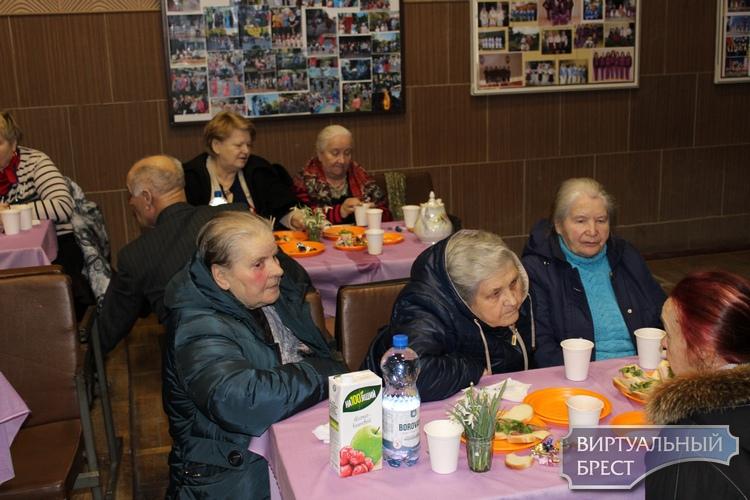 Весенний праздник для мужчин и женщин от 18 до 90!