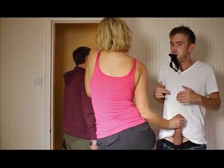 ПОРНО -- ТУТ ЕЙ 34 -- ВТИХАРЯ ТРАХАЕТ МАТЬ ДРУГА -- milf porn sex ---  Leigh Darby