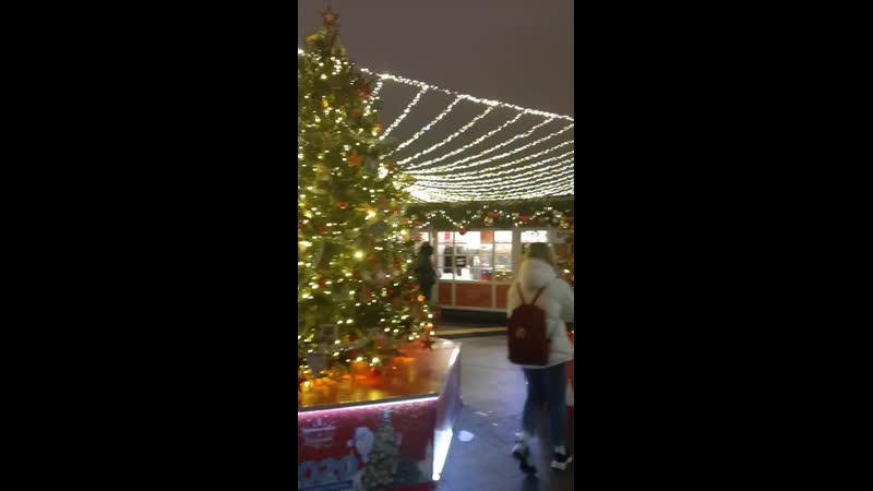 Рождество на Красной площади 🤗 ну что до свидания Кто меня знает в Москве тот знает как я люблю гулять на Красной площади 💃