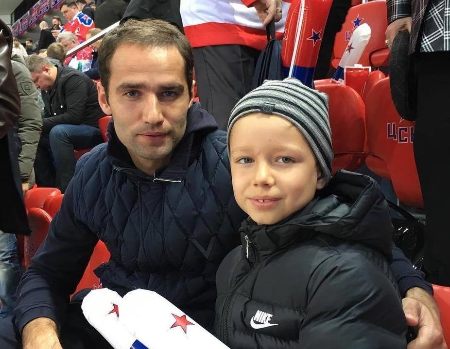 Роман Широков с сыном
