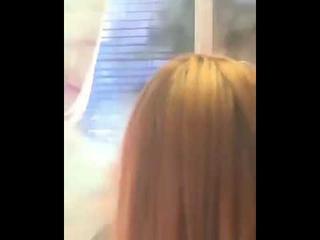 Девушка попыталась запустить фейерверк в окно, но устроила небольшой пожар