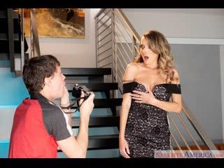 дамочка в платье соблазнила фотографа (Pristine Edge,инцест,milf,минет,секс,анал,мамку,сиськи,brazzers,PornHub,порно,зрелую)