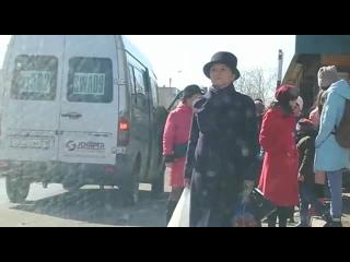 """4) водителя белого микроавтобуса, ГРНЗ 302 SWA 09, который  г., в 13 ч.30 м., в г. Шахтинск, на остановке """"Ландыш» в н"""