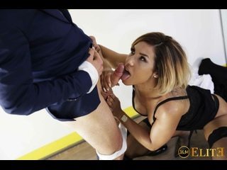 Rose Valerie - Seduces her Gay Student - Bourgeoises Urges Scene/ Соблазнила студента [All Sex, Blowjob, Spy, Teen, Creampie]
