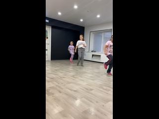 Видео от СЧАСТЛИВЫЕ ЛЮДИ. Клуб танцев, фитнеса и йоги.