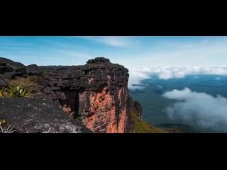 Гора Рорайма в Венесуэле -- гигантский докембрийский останец :