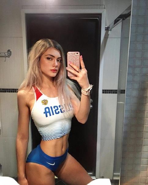 Многие фанаты российской спортсменки Виктории считают, что она является самой красивой легкоатлеткой в