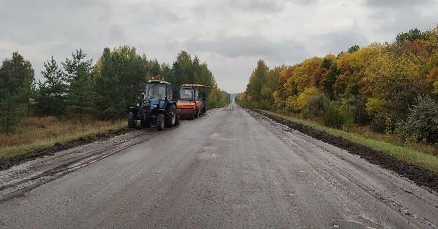 В Петровском районе продолжаются ремонтные работы на дорогах регионального значения