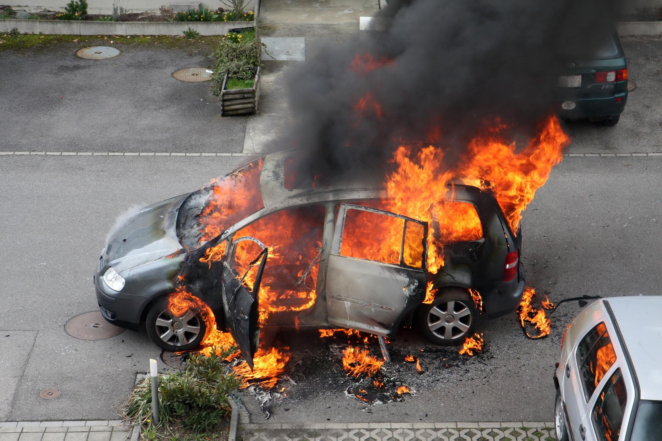 В Глазове мужчина сгорел в собственной машине
