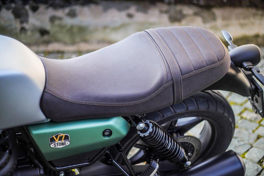 Юбилейный мотоцикл Moto Guzzi V7 Stone 100th Anniversary 2021