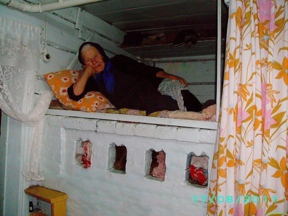 Кровать как элемент мебели появилась на Руси