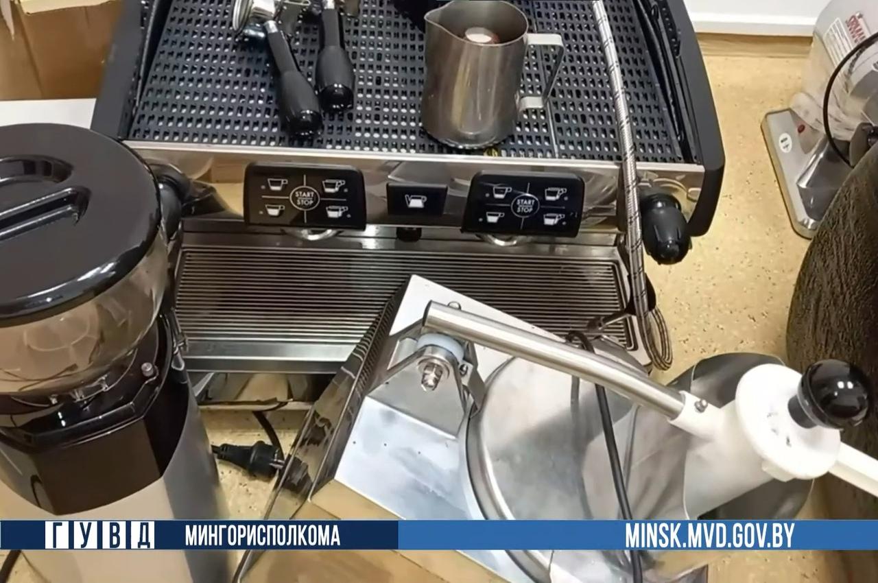В Минске охранник вывез из ресторана оборудование почти на 40 тысяч рублей