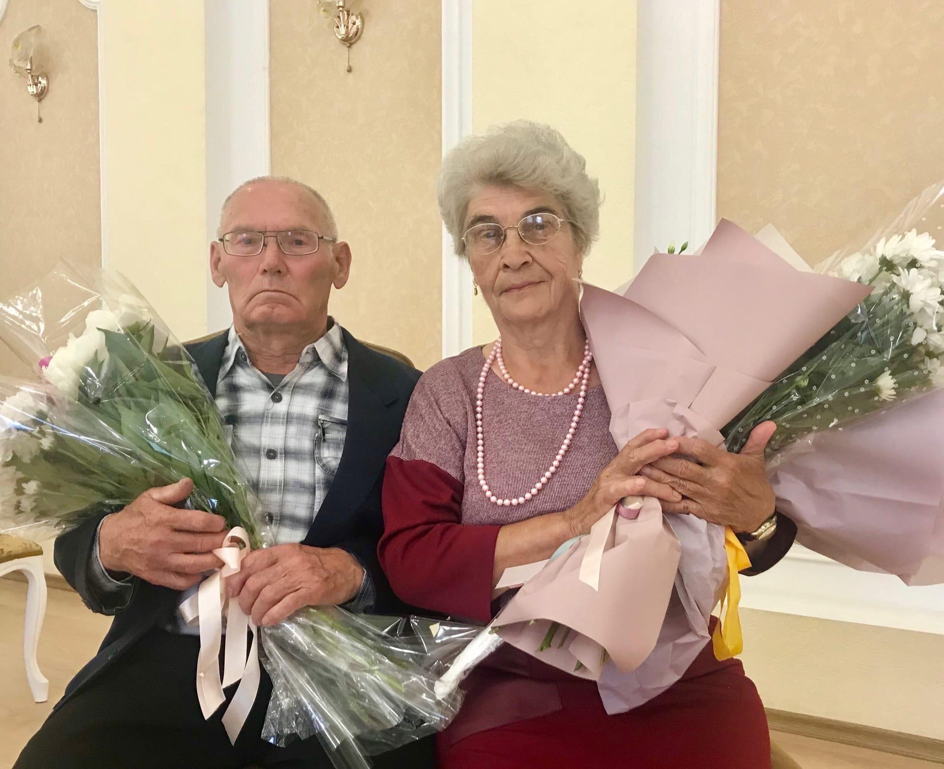 Супруги Яковлевы из Можги отметили сегодня золотой
