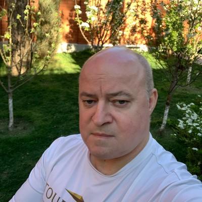 Юрий Сафонов
