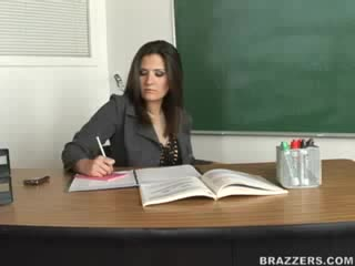BRAZZERS - Big Tits At School - Austin Kincaid, Victoria Valentino (Low Grade Student) - 05,03,2007
