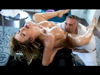 Alexis Fawx – A Treat For Her Feet [Brazzers, Big Ass, Big Tits, Feet, Massage, MILF]