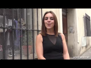 [JacquieEtMichelTV] Julia 22 Years Old FRENCH
