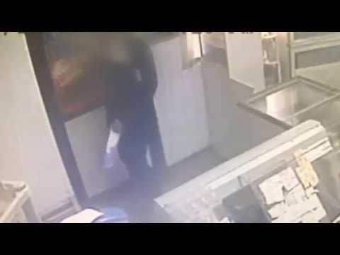 Отец с сыном похитили пиво из ларька в Борисове