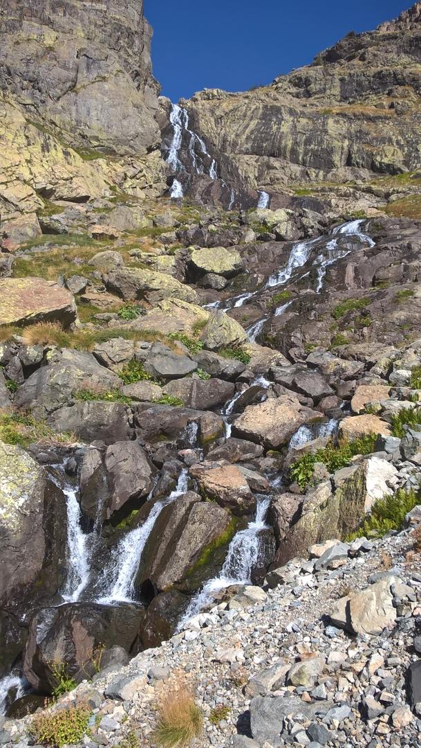 Многокаскадный водопад в турецкой провинции