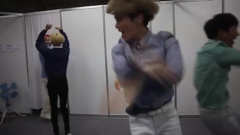 Stream SMTOWN Facebook update feature SHINee DE CHOK CHOK DANCE 150331