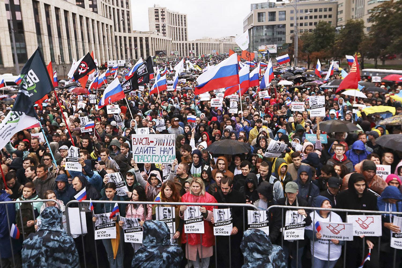 Митинг оппозиции 10 августа в Москве стал самой массовой уличной акцией протеста с 2011 года