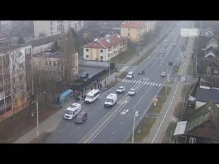 Жесть! В Кобрине подросток выбежал на дорогу и его сбила машина